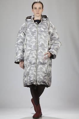 long padded unisex coat in see-through nylon canvas doubled with camouflage canvas in polyester and down  - 122