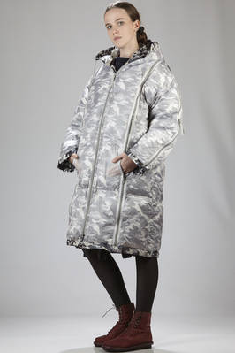long padded unisex coat in see-through nylon canvas doubled with camouflage canvas in polyester and down - FINAL HOME