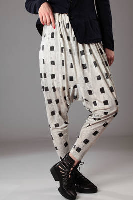 sahrouel trousers in doubled silk jersey and printed with small squares  - 202