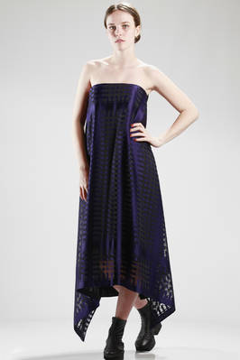 embroidered satin evening dress with small squares in polyester and rayon  - 97
