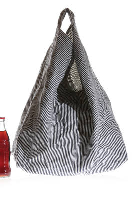 linen medium duffel bag with thin vertical stripes  - 195