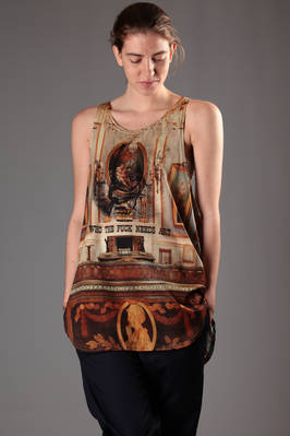 oversize vest in cotton jersey with 'Wallace Collection' printing on the front and stripes and comics on the back  - 267