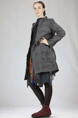 overcoat in wool and linen canvas with embossed squares  - 195