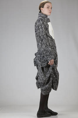 long jacket in black and white polyester and rayon graffito on a velvet effect base - ANREALAGE