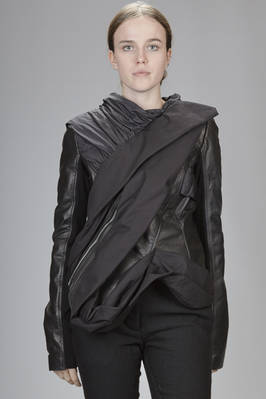short sculpture leather jacket with diagonal draped sashes in different fabrics  - 120