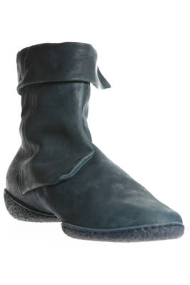 ANGLE ankle boot in treated cowhide leather and two shell rubber sole - TRIPPEN
