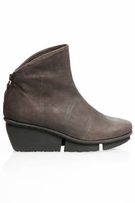 SWIFT ankle boot in treated cowhide leather and sole with three blocks rubber heel  - 51
