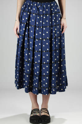 long and wide pleated skirt in washed linen canvas and printed with bi-colour polka-dots  - 157