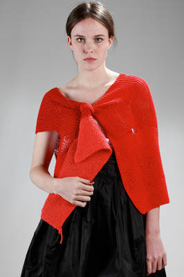 waistcoat stole in hand-knitted linen with different red shades  - 195