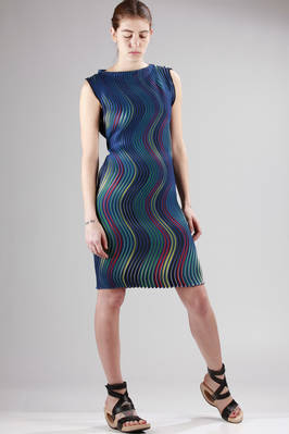 knee-length dress made with the new polyester pleating 'Baked Stretch' with horizontal multicolour waves stripes - ISSEY MIYAKE