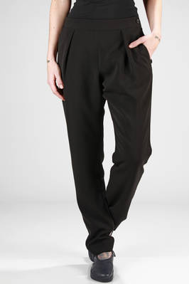 trousers in polyester and triacetate crêpe  - 47