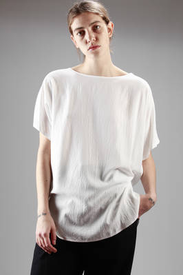 long and large t-shirt in very soft creased viscose canvas and polyester and triacetate insert  - 97