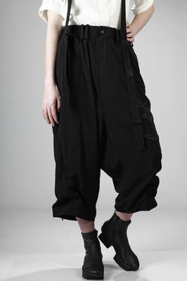 wide trousers with braces in polyester and triacetate with a crêpe de chine effect  - 73