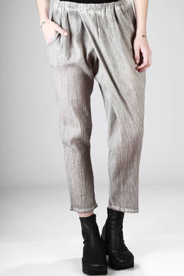 soft trousers in cotton crêpe with narrow vertical pleats  - 275