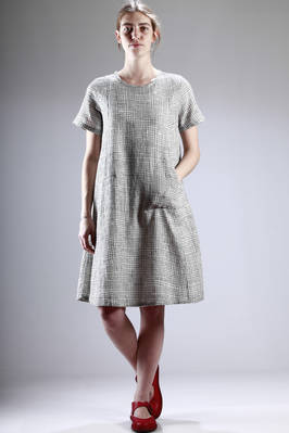 under-the-knee length in checked cotton with irregular stitching  - 284