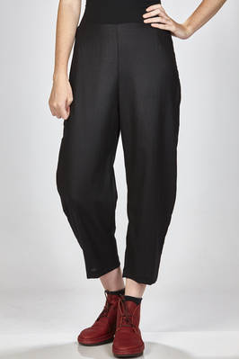 ankle-length trousers in straight stitched wool cloth  - 277