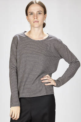 hip-length t-shirt in straight stitched wool cloth with even-even bicolor lines  - 277