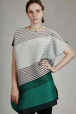 asymmetric tunic in polyester plissé with blurred multicoloured horizontal lines  - 111
