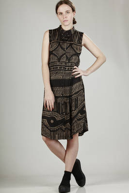 long vest dress in tight vertical plissè with ceramic print  - 111