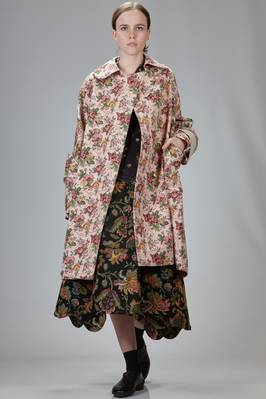 knee-length overcoat in viscose, acrylic and nylon cloth with floral tapestry and some parts in cotton velvet  - 48