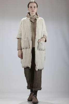 knee-length padded coat in wool crêpe with the inner side in cashmere muslin  - 195