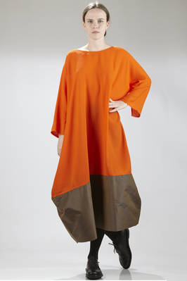 long dress in wool crêpe with silk shantung band at the bottom of different color  - 195