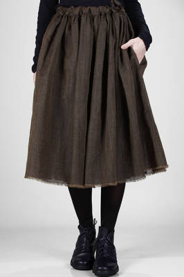 wide double-layered skirt: one side in a very fine woven wool and linen blend with raw cut hem, the other in contrasting colour silk crepe de chine  - 195