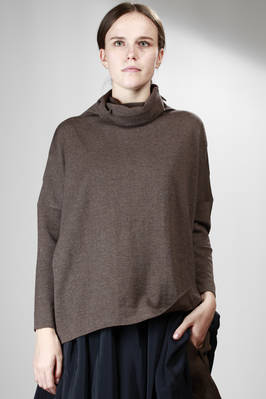 wide sweater in straight stitched Merinos wool  - 195