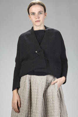 short cardigan in hand-knitted yack cloth  - 195