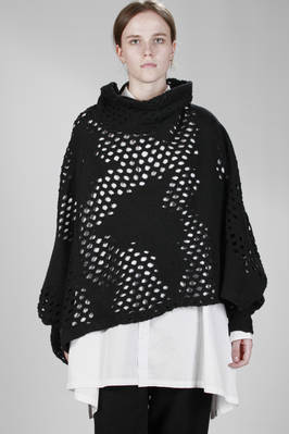 ponchos in netted cotton and wool with irregular discontinuous loops  - 97