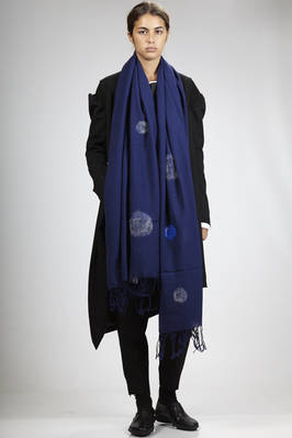 wide scarf in wool gauze with parts that are worked in felt circles of different colours  - 73