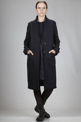 knee-length coat in cotton, wool, nylon and polyamide crêpe with raw cut fringed extremities  - 161