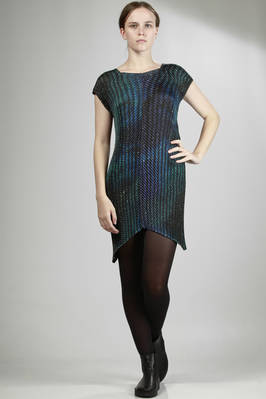 short dress with light hand-finished pleats, polyester silk with 'universe' print  - 47