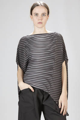 hip-length top in polyester baked-stretch plissé with multicolored horizontal and diagonal lines  - 47