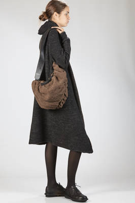 bean shaped shoulder bag of medium dimensions in leather and wool felt  - 289