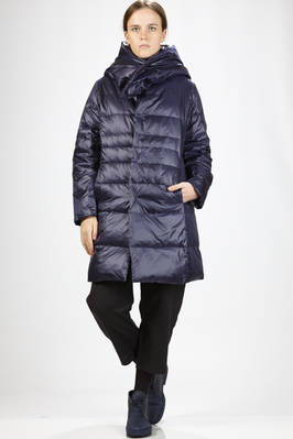 knee-length quilted jacket in nylon and taffetas padded in feather  - 327