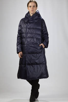 long quilted jacket in nylon and taffetas padded in feather  - 327
