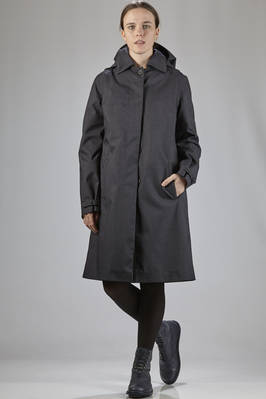knee-length waterproof coat in recycled polyester cloth, lined in viscose and polyester cloth  - 328