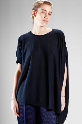 wide and asymmetrical shirt in breathable cotton jersey  - 121