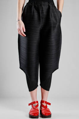 wide trousers in polyester plissé with narrow vertical strip  - 111