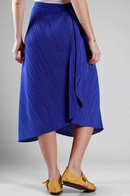 wide and asymmetric skirt in polyester plissé with narrow diagonal strip - PLEATS PLEASE Issey Miyake