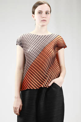 hip-length top in polyester plissé with diagonal lines and optical dash rectangles  - 111