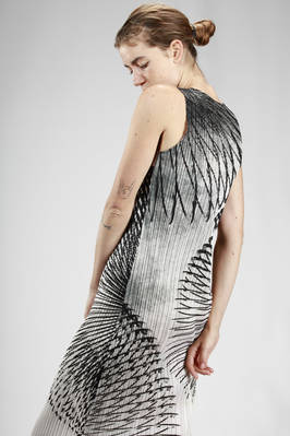 longuette dress in polyester plissé with vertical narrow line printed in abstract tropical foliage - PLEATS PLEASE Issey Miyake