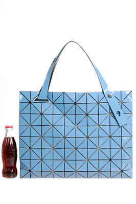rectangle shopper bag of medium dimensions made of triangular polished PVC plates repeated through an origami calculation on a nylon net base - BAO BAO Issey Miyake