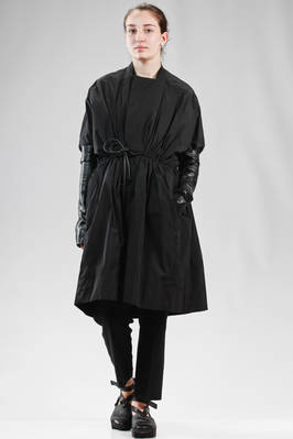 wide calf length overcoat in polyester taffetas with leather sleeves  - 120