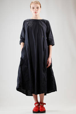 calf length dress in heavy washed and wrinkled cotton cloth with asymmetric tone on tone embroidery at the collar  - 195