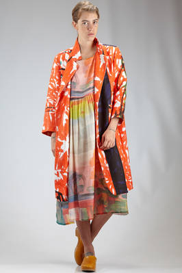 wide overcoat in closed web linen cloth with printed brushstrokes  - 195