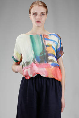short top, all doubled: one side in painted and embossed silk voile and the other in solid colour cotton voile  - 195