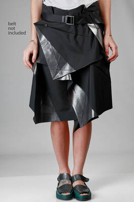 132 5. Issey Miyake - wraparound skirt with origami algorithmic development of bicolor recycled polyester cloth  - 47