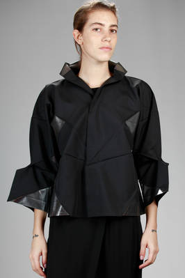 132 5. Issey Miyake – wide jacket with origami algorithmic development of bicolor polyester cloth  - 47